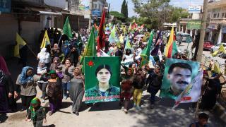 الآلاف ينتفضون في ديرك دعماً لمقاومة عفرين