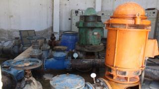 وحدة مياه الجرنية تعمل جاهدة لإصلاح مضخات المياه
