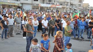 مظاهرة في كوباني استنكاراً للهجمات على شنكال
