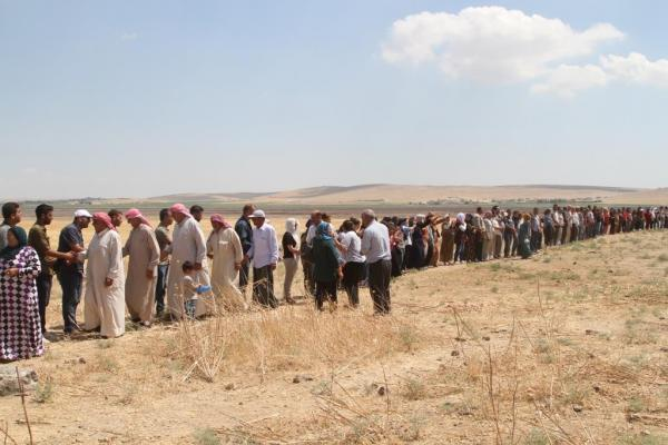For 2nd day... sit-in on Turkish border in Kobani continues