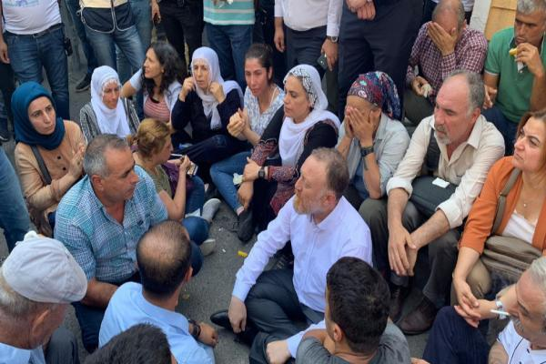 Turkish police attack MPs of Democratic People's Party