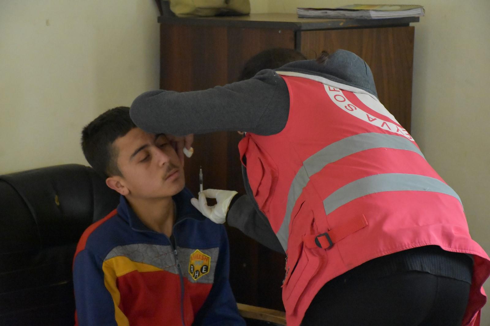 Despite poor capabilities, Kurdish Red Crescent provides treatment