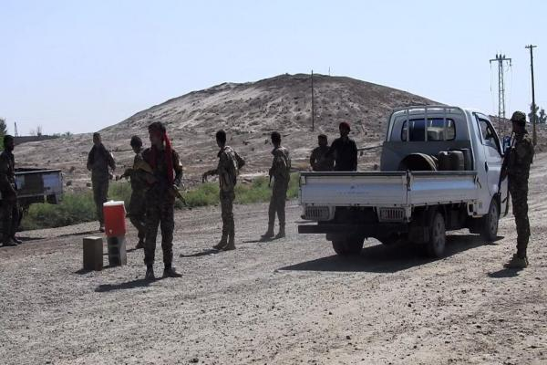 SDF meets al-Bahra, Hajin people's demands, erects checkpoints on road connecting them