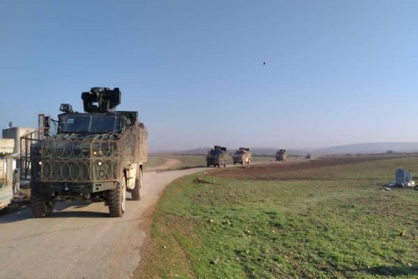 Joint Russian Turkish patrol in western Kobani