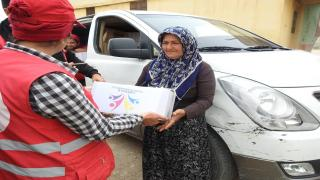 Kurdish Red Crescent in coordination with ''LIBERALE'' distribute aid to Yazidis