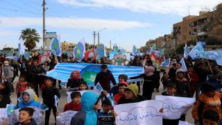 Hundreds of al-Tabqa youth revolt against Turkish occupation