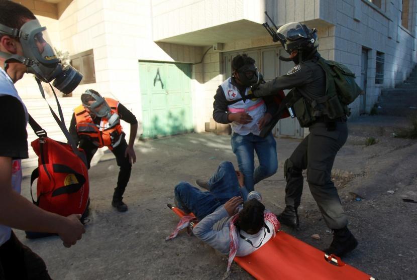 1 palestino muerto, otros 3 heridos