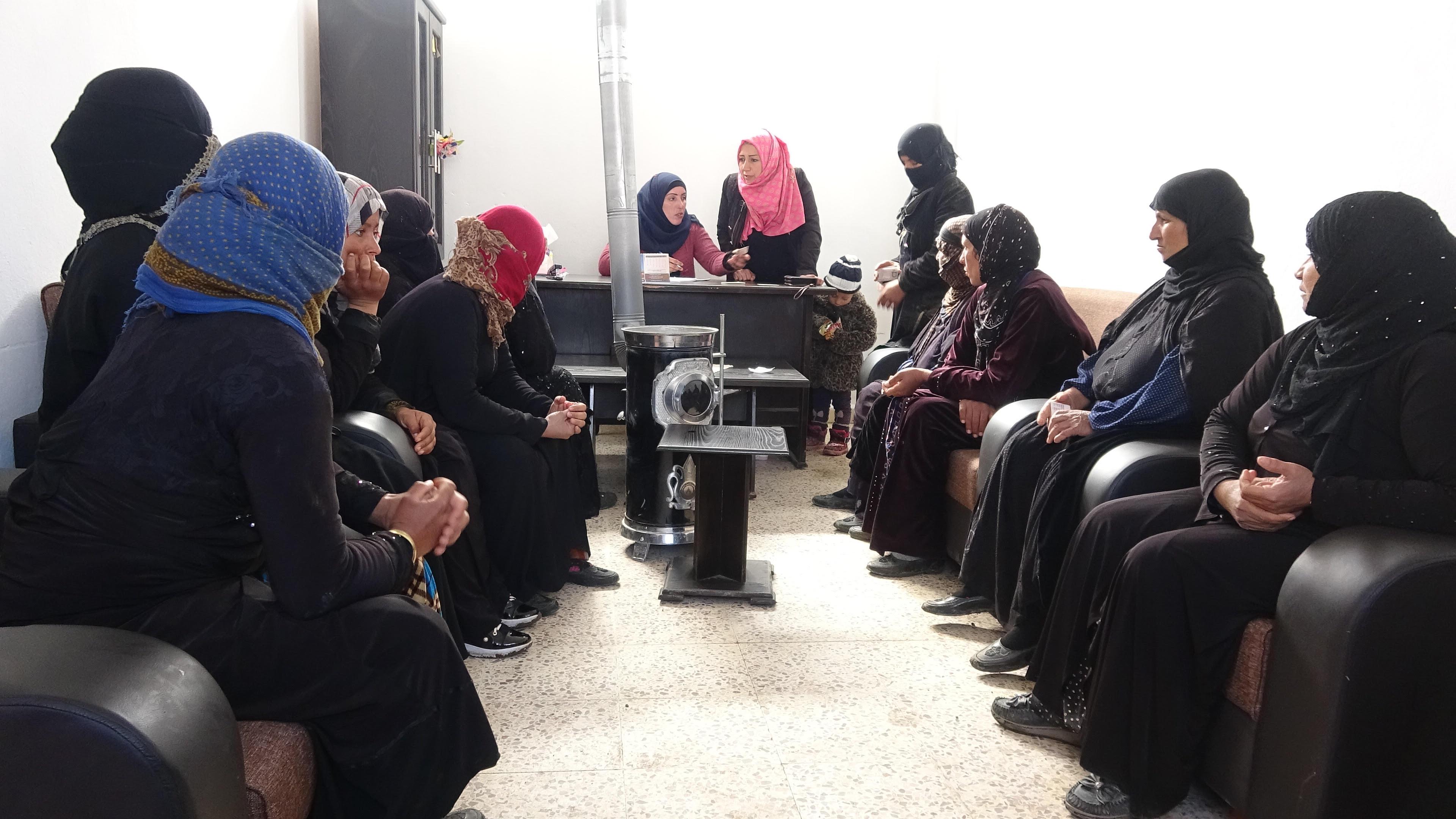 Mujeres del área de Al-Jadidat avanzan hacia su libertad
