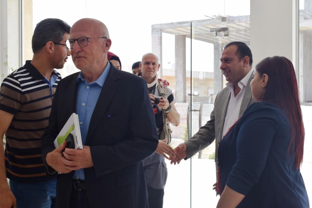 Delegación europea se reúne con funcionarios de MSD y Administración Autónoma.