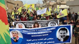 Fotos de Ocalan cubrieron demostraciones salieron denunciando conspiración