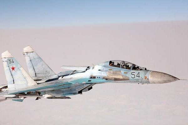 Un caza ruso intercepta a un bombardero estratégico estadounidense