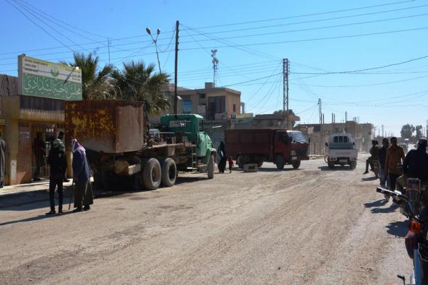 El pueblo Shadadi rinde homenaje a las fuerzas de seguridad
