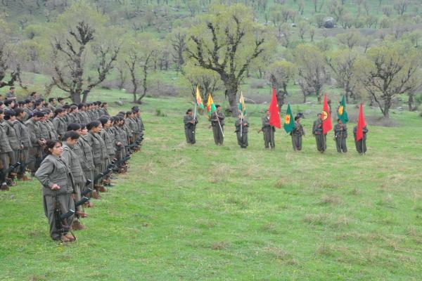 Familias de los mártires: ataques contra Kurdistán son para erradicar a los kurdos