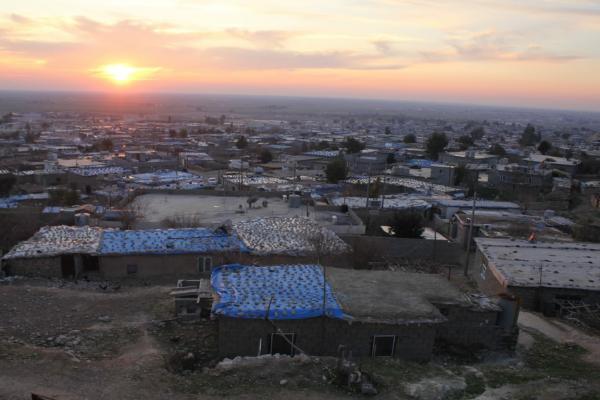 Wargeha Mexmûr a di navbera dorpêça PDK'ê û vîrûsa Koronayê de