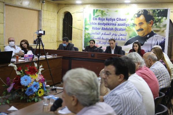 Siyasetmedar, hiqûqnas û akademîsyenan fikrên rêber Abdullah Ocalan nirxandin