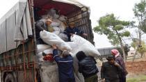 Şêniyên Tirbespiyê 2 kamyon alîkarî ji koçberan re şandin