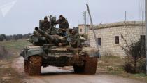 SOHR: Rejîm ber bi çiyayê Zawiya ve pêşde diçe, 2 gund kontrol kir