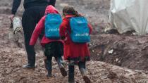 UNICEF: Zêdetirî nîvî zarokên Sûriyê ji perwerdeyê bêpar mane