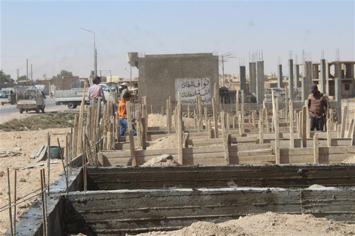 После освобождения Шададе, в городе - бурное строительство