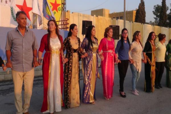 Kobanê halkı PYD'nin kuruluş yıldönümünü kutladı
