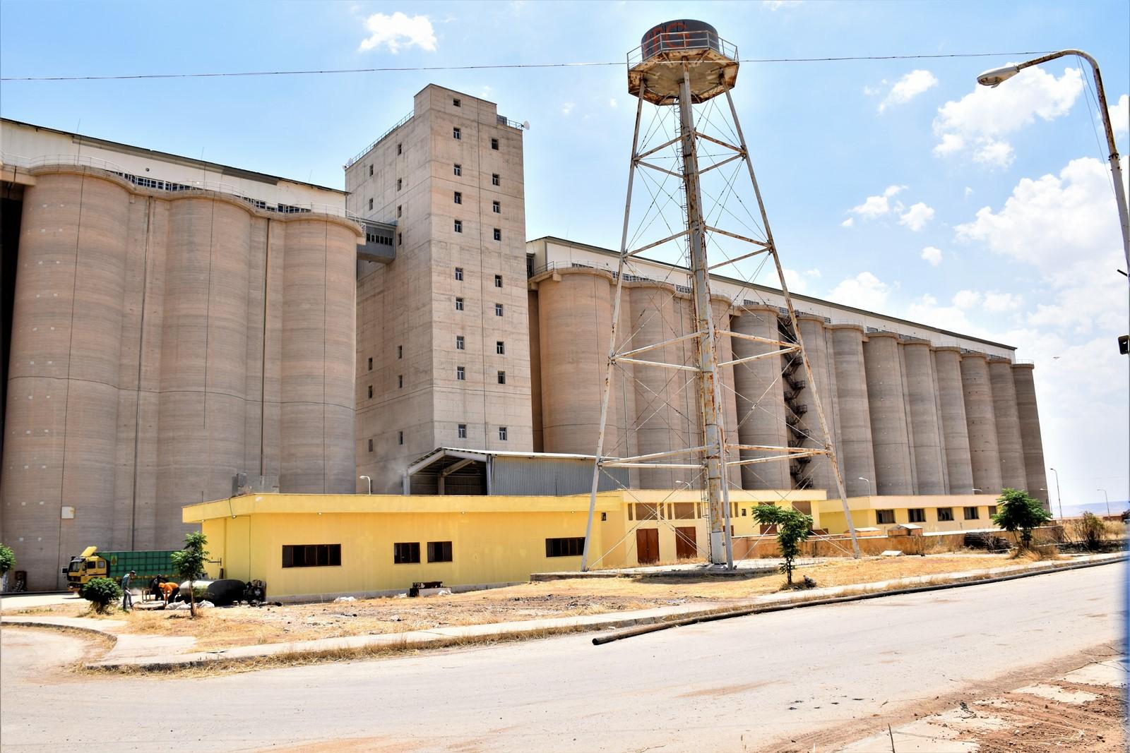 DAİŞ'in tahrip ettiği tahıl deposu yeniden hizmete başladı