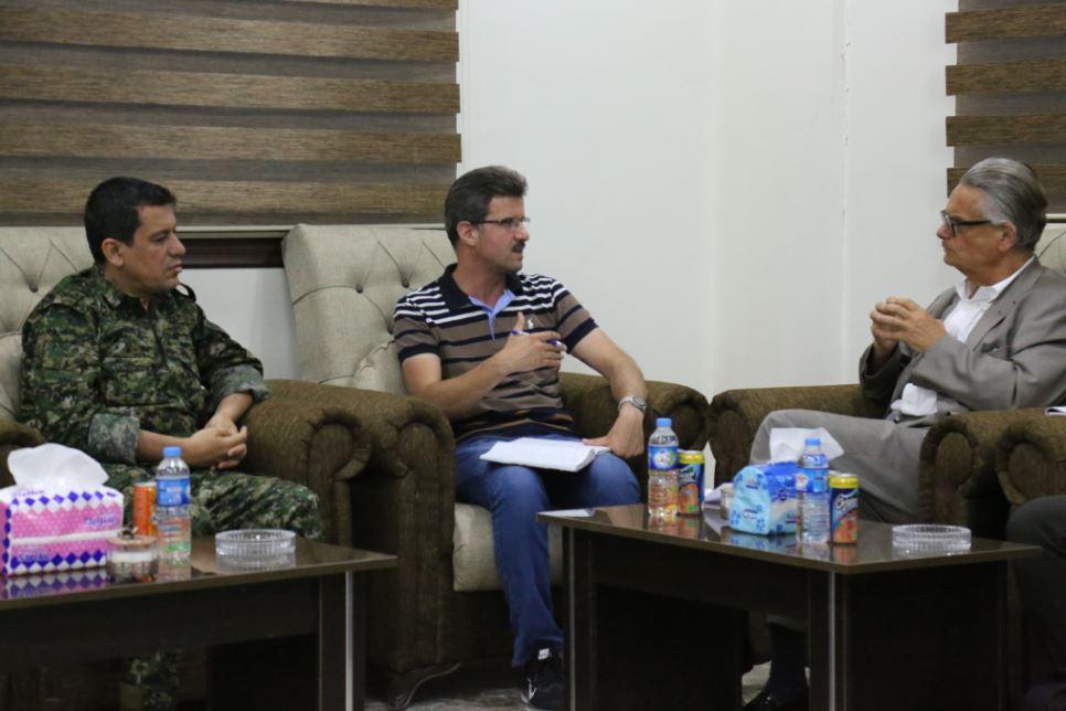 İsveç heyeti QSD Genel Komutanı Ebdî ile görüştü