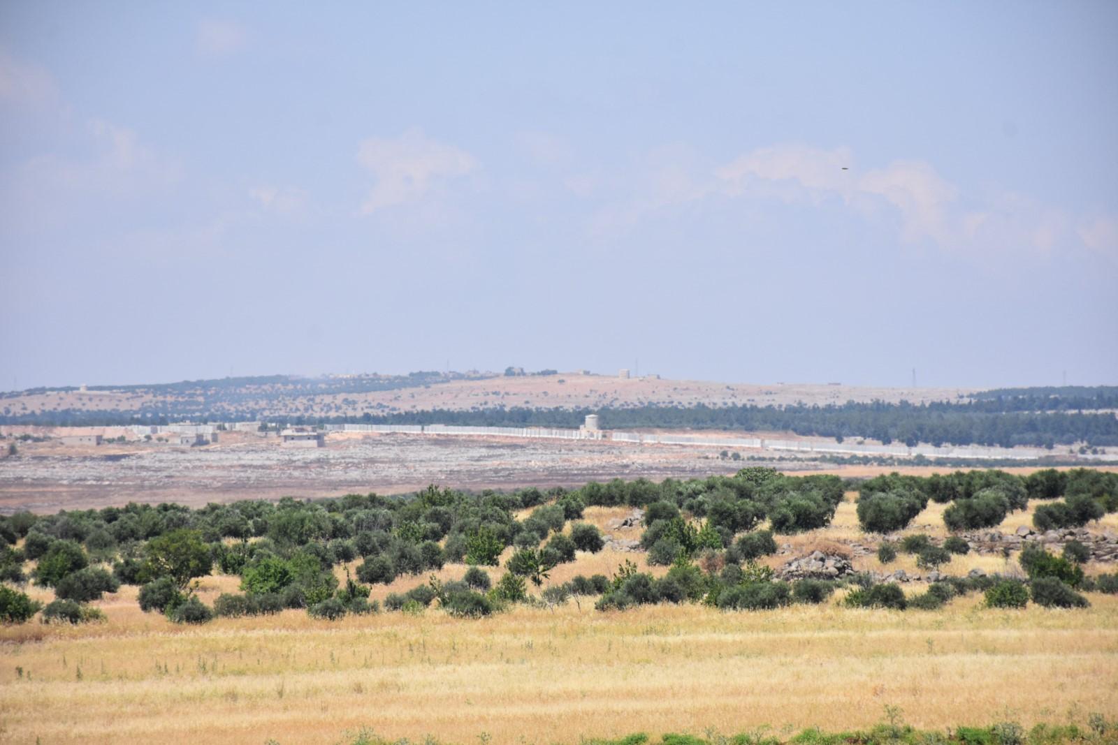 Efrîn halkı: İşgal duvarı ile bölgenin Türkiye'ye bağlanması amaçlanıyor