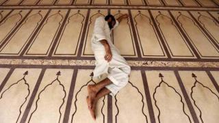 Pakistan'da aşırı sıcaklardan dolayı 180 ölü
