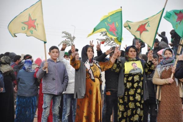 Türk devletinin sınırdaki askeri hareketliliğine karşı on binler alanlara çıkacak