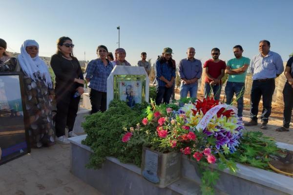 Gazeteci Mustefa Mihemed mezarı başında anıldı