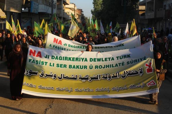 Dirbêsiyê'de binler işgal tehditlerine karşı yürüdü