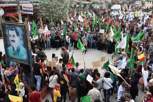 Halep ve Şehba'da binler işgal tehditlerine karşı yürüdü