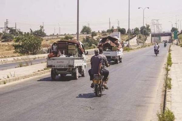 Rejim güçleri Merret El Numan'ı bombaladı