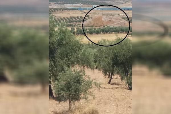 İşgalci Türk askerleri tarihi höyükte kazı yaptı