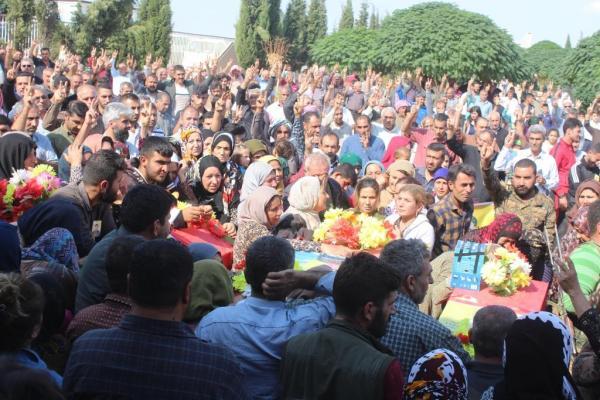 Onur Direnişi'nin 4 şehidi Dirbêsiyê'de uğurlandı