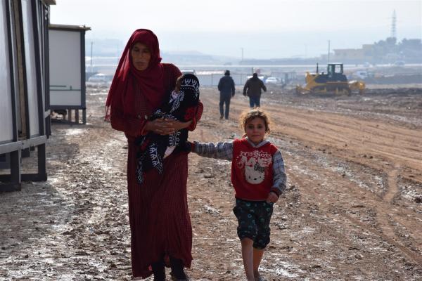 Waşokani Kampı'ndaki göçmenler işgalcilerin çıkarılmasını istiyor