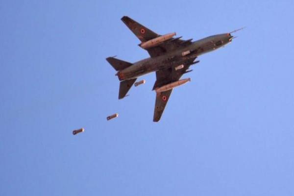 İdlib ve Halep kırsalına yoğun bombardıman