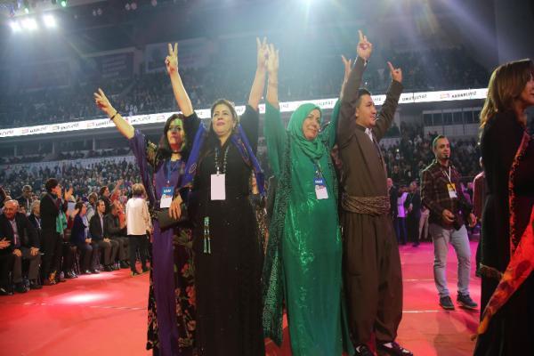 HDP Kongresi coşkuyla sürüyor: İmralı kapıları mutlaka açılacak
