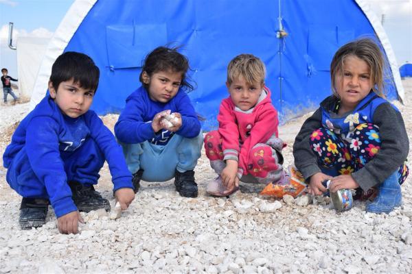Zorlu göç koşulları Waşokani Kampı'ndaki çocukların gülüşlerini soldurmadı