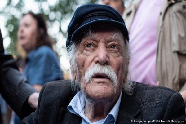 Yunan devrimci Glezos hayatını kaybetti