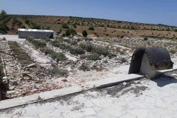 İşgalcilerden insanlık dışı bir uygulama daha: Şehitlik üzerinde kamp