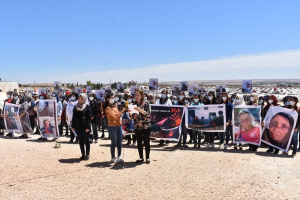 Efrînli kadınlara saldırı Halep ve Şehba'da protesto edildi