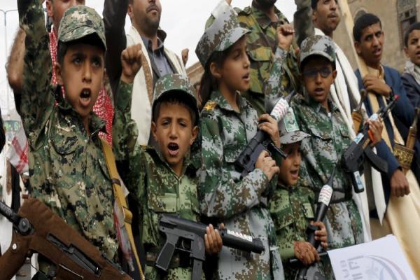 Husiler çocukları savaş cephelerine kaçırıyor