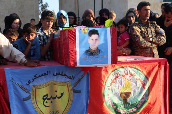 Şehit Xelef Osman Minbic'de toprağa verildi