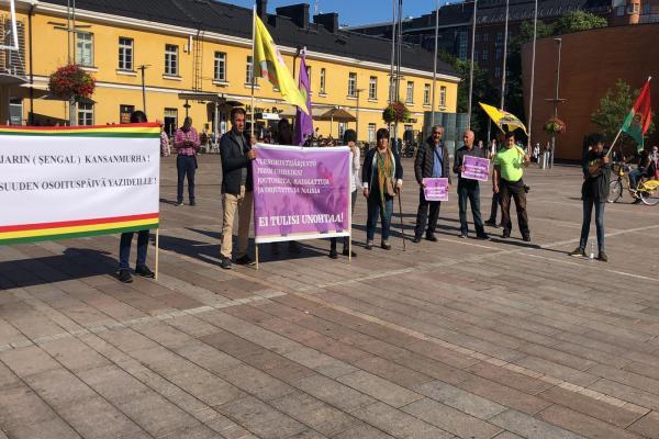 Finlandiya'da Şengal katliamı protesto edildi
