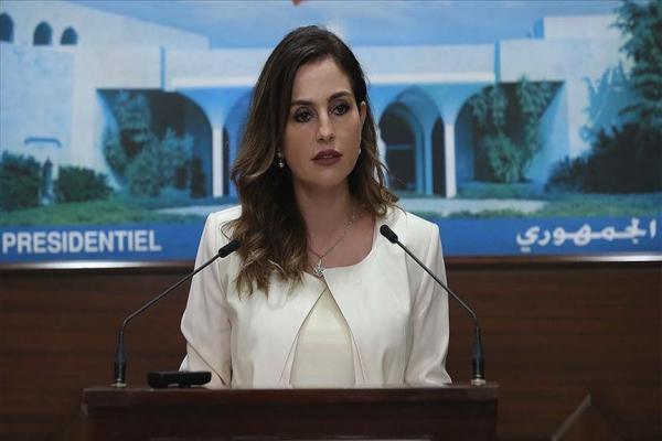Lübnan'da hükümet kabinesinden ilk istifa