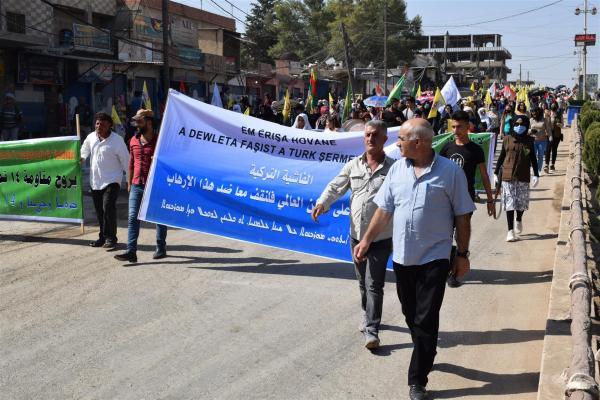 Girkê Legê ve Kobanê'de tecrit protesto edildi