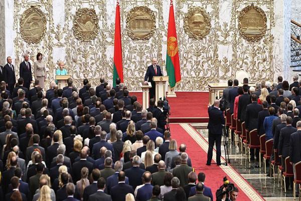 AB, Lukaşenko'nun cumhurbaşkanlığını tanımadı