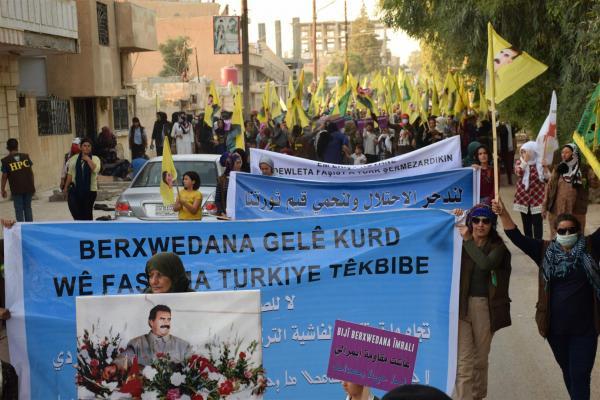 Hesekê'de işgal saldırılarına karşı kitlesel yürüyüş