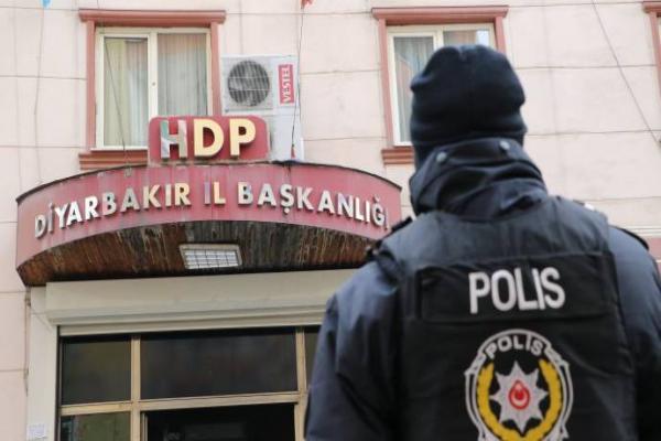 HDP'ye yapılan operasyona dünyadan tepkiler sürüyor